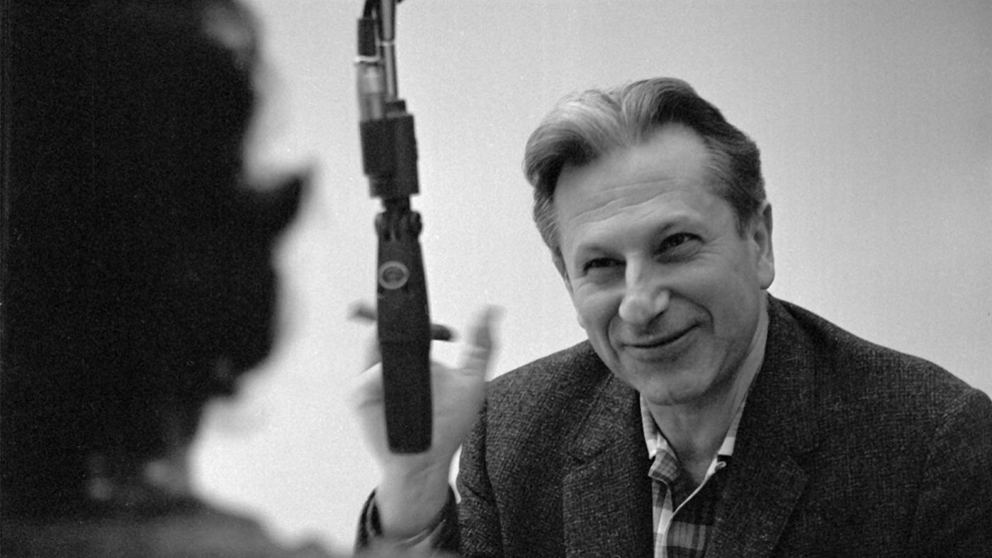 Studs Terkel. Photo: Chicago History Museum, iCHi-065438; Stephen Deutch, photographer