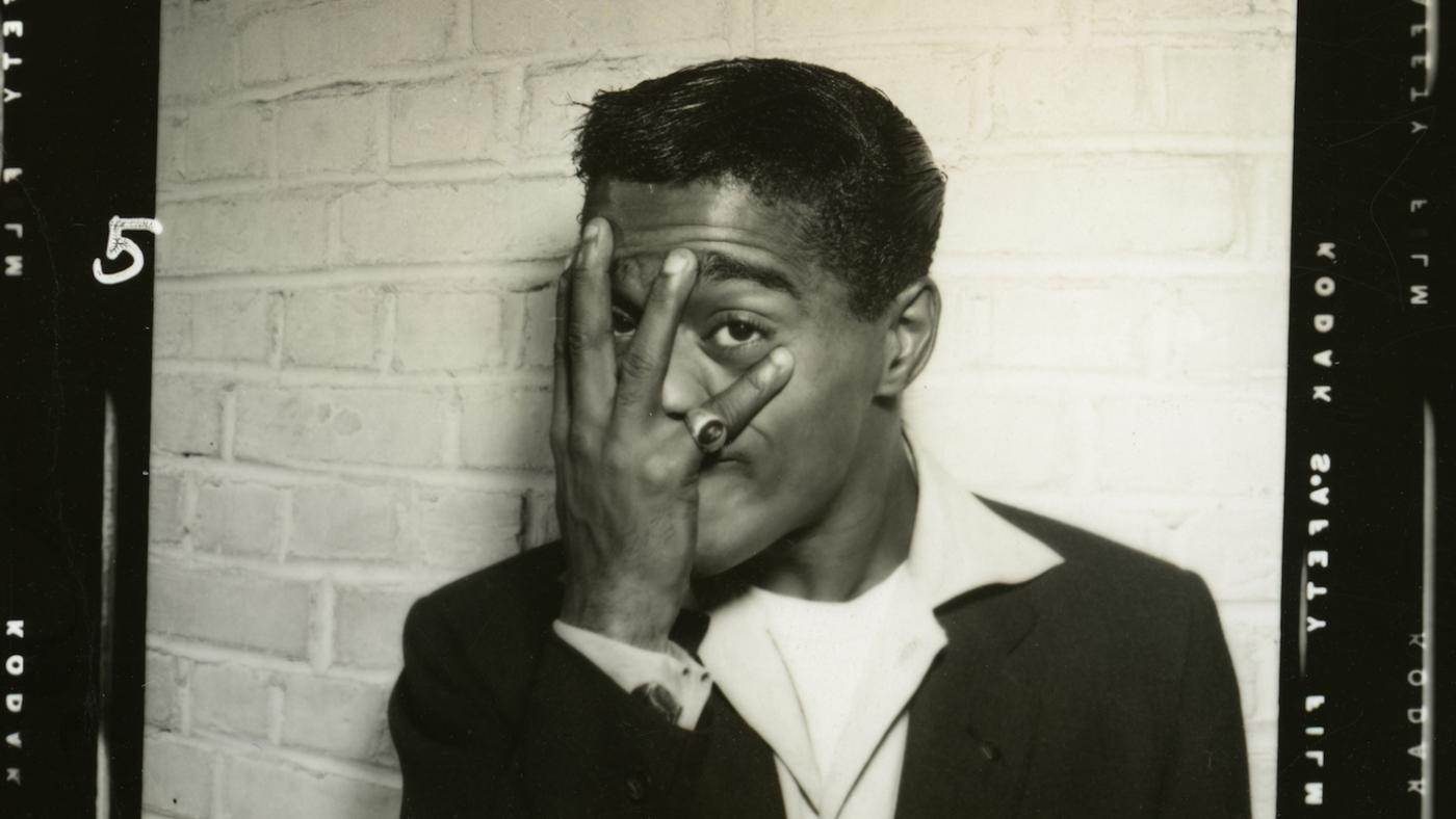 Sammy Davis, Jr. backstage photo. Photo: Courtesy The Estate of Altovise Davis