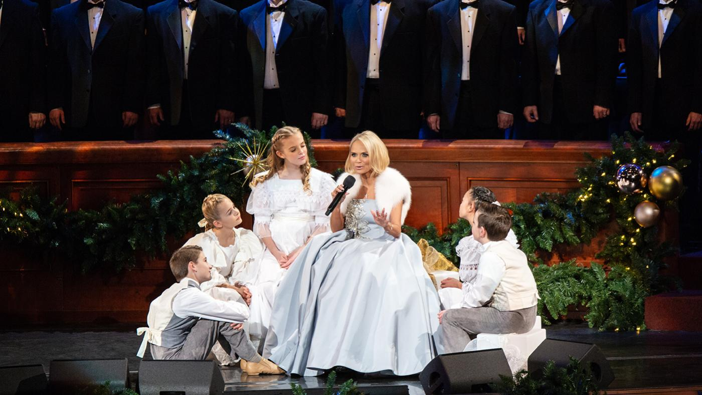 Kristin Chenoweth with the Mormon Tabernacle Choir