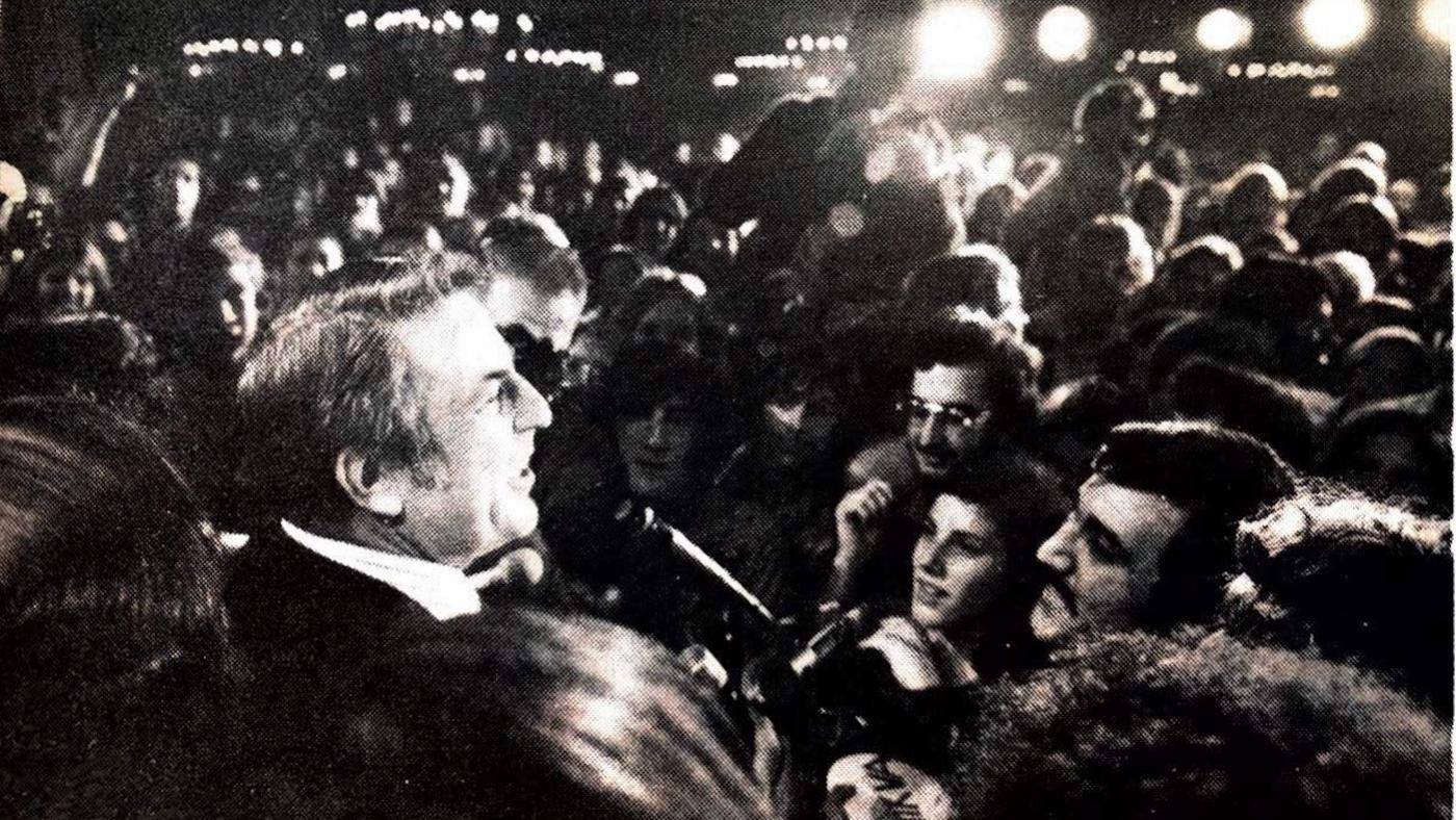 Abner Mikva in a crowd. Photo: Courtesy Mikva Family