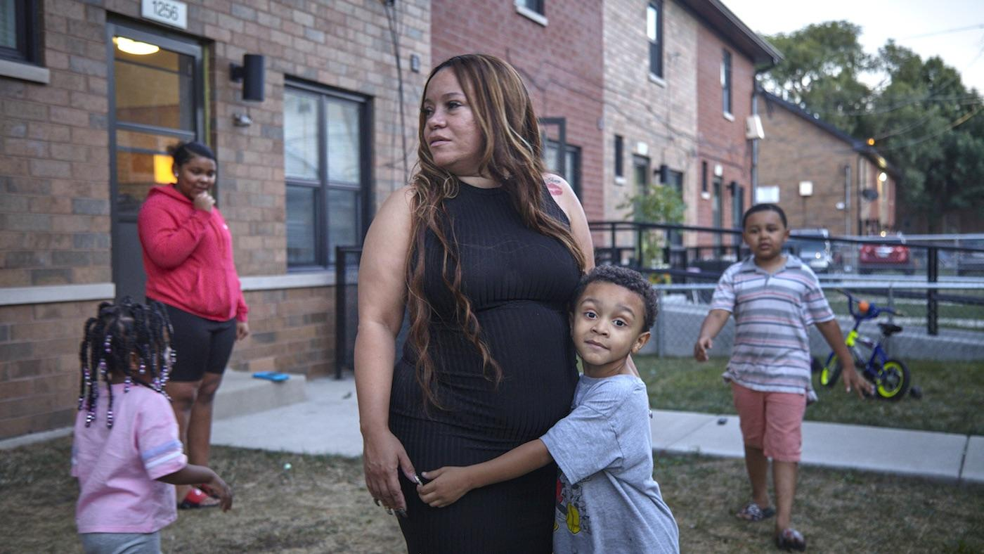 Melissa Fonseca in FIRSTHAND: Living in Poverty. Photo: WTTW/Liam Alexander