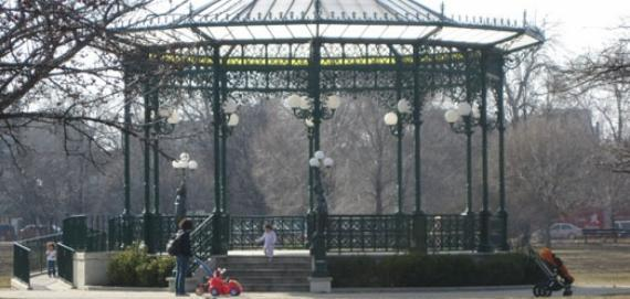 The gazebo in Chicago's Welles Park