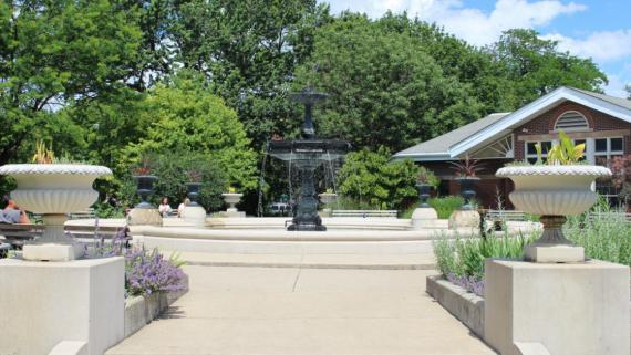 Chicago's Wicker Park fountain