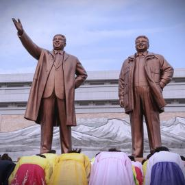 Statues of Kim Il Sung and Kim Jong Il. Photo: Getty Images
