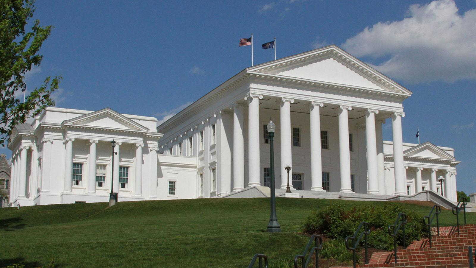 Virginia state capitol building richmond for Builders in va
