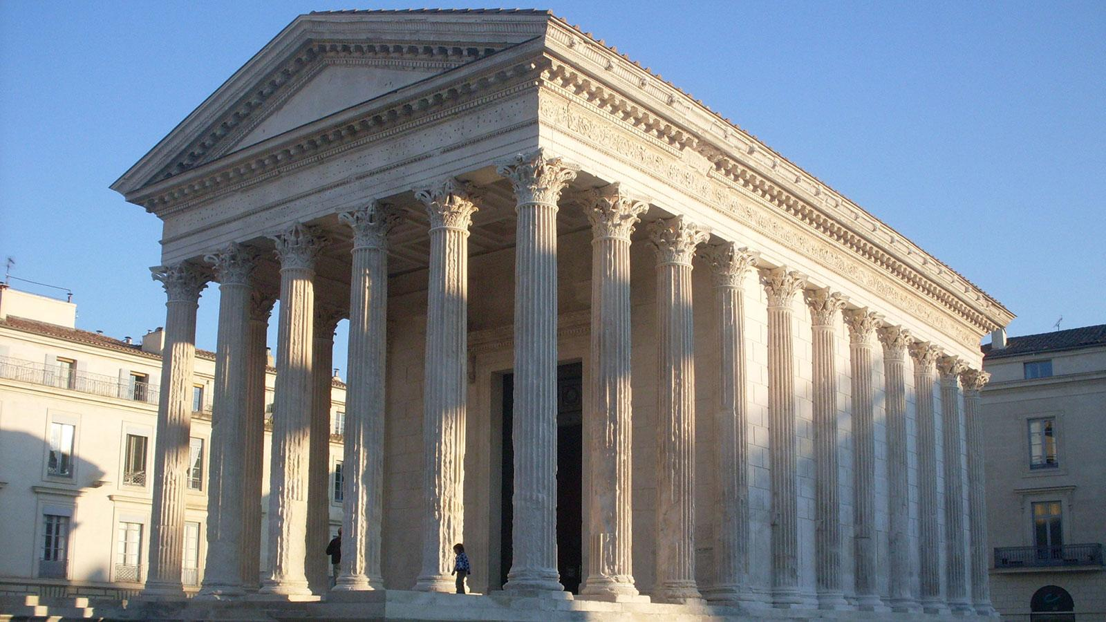 the maison carre an ancient roman temple in nimes france inspired thomas jeffersons design of the virginia state capitol photo credit public domain - Roman Design Architecture