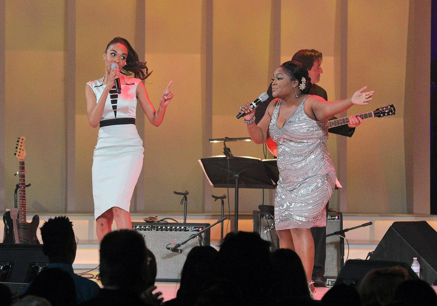 Shemekia Copeland (right) with Michelle Williams at Chicago Voices. (Cory Weaver, courtesy Lyric Opera of Chicago)